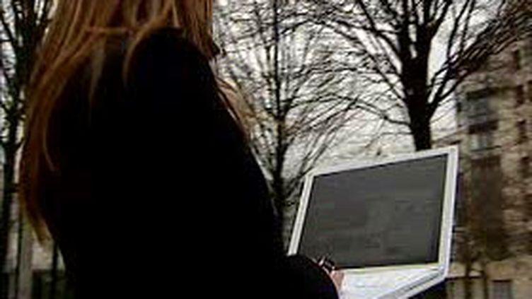 Nokia s'apprête à commercialiser son mini-ordinateur portable. (© France)