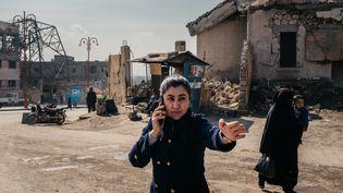 """Leila Mustapha dans """"9 jours à Raqqa, La vie après Daech, Partie 1"""" de Xavier de Lauzanne (2021). (JEAN-MATTHIEU GAUTIER)"""