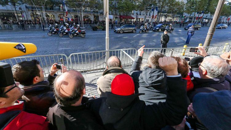 Une manifestation le 11 novembre 2013 sur les Champs-Elysées, à Paris. (MICHEL STOUPAK / CITIZENSIDE.COM)