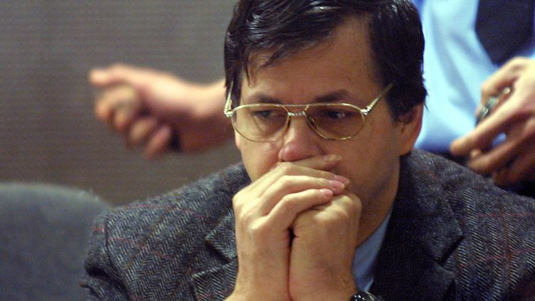 Le meurtrier pédophile belge, Marc Dutroux, le 6 mai 2004 à Arlon (Belgique). (JEAN-CHRISTOPHE VERHAEGEN / AFP)