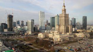 Vue de Varsovie, en Pologne, en février 2020. (LUDOVIC MARIN / AFP)