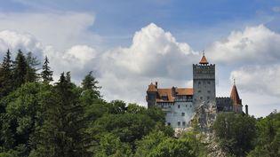 Le château de Bran, en Roumanie, demeure du personnage historique qui a inspiré Dracula. (RIEGER BERTRAND / AFP)