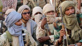 Des combattants touaregs de la CMA réunis près de Kidal, dans le nord du Mali, le 28 septembre 2016. (AFP)