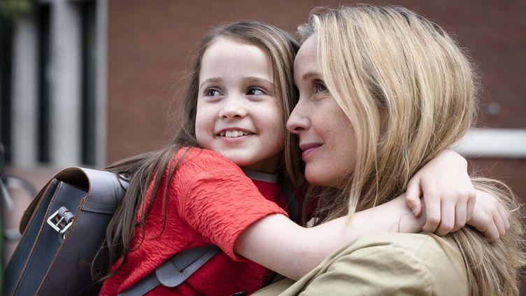 """Julie Delpy et Sophia Ally dans """"My Zoé"""" de Julie Delpy (2021). (STEPHAN RABOLD / ELECTRICK FILMS / TEMPETE SOUS LE CRANE:/ UGC IMAGES)"""
