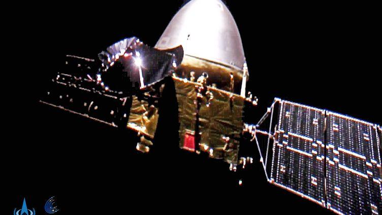 L'Agence spatiale nationale chinoise (CNSA) a publié des images en plein vol de la sonde martienne Tianwen-1, le 1er octobre 2020. (CHINA NATIONAL SPACE ADMINISTRAT / XINHUA / AFP)
