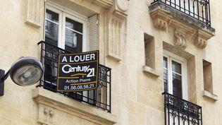 Un logement à louer, le 5 juin 2012 à Paris. (THOMAS SAMSON / AFP)