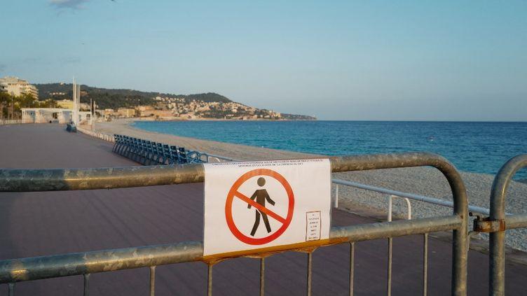 À Nice, lacirculation sur lapromenade des Anglais est interdite le week-end,pendant la durée du confinement partiel qui a débuté le 27février 2021. (ARIE BOTBOL / HANS LUCAS / AFP)