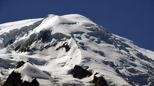 Le Mont-Blanc accueille entre 20 000 et 30 000 personnes par an.  (PHILIPPE DESMAZES / AFP)