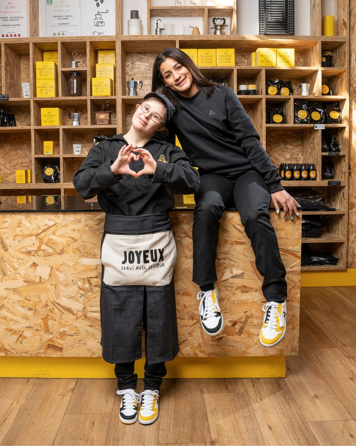 Collaboration Le Coq Sportif et les restaurants Café Joyeux pour une version de la Terra, une sneaker végétale et naturelle. (Le Coq Sportif)