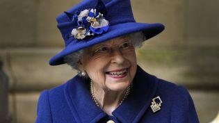 La reine Elizabeth II à Londres, le 12 octobre 2021. (FRANK AUGSTEIN / POOL / AFP)