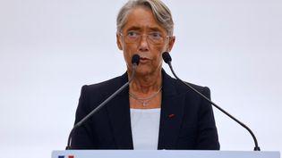 La ministre du Travail, Elisabeth Borne, lors d'une conférence de presse, à Paris, le 15 octobre 2020. (LUDOVIC MARIN / AFP)