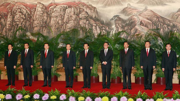 Les neuf membres du comité permanent du bureau politique, le 22 octobre 2007 à Pékin. (TEH ENG KOON / AFP)