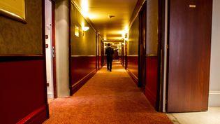 Couloir de l'hôtel Le Lutetia. (BRUNO LEVESQUE / MAXPPP)