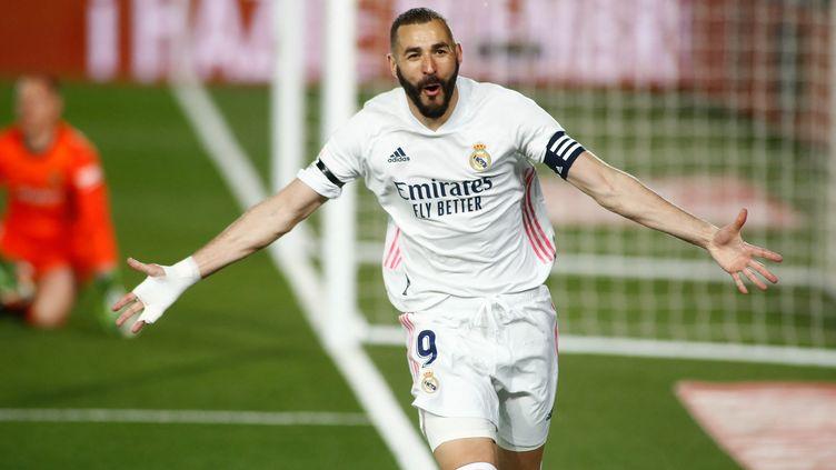 Buteur sur l'ouverture du score, Karim Benzema a joué les guides pour le Real Madrid. (OSCAR J. BARROSO / ANADOLU AGENCY)