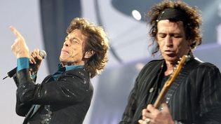 Mick Jagger et Keith Richards sur scène à Lausanne en 2007.  (Fabrice Coffrini / AFP)