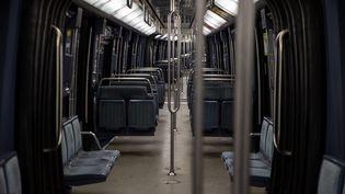 Un métro vide, à Paris, le 17 octobre 2020. (ABDULMONAM EASSA / AFP)