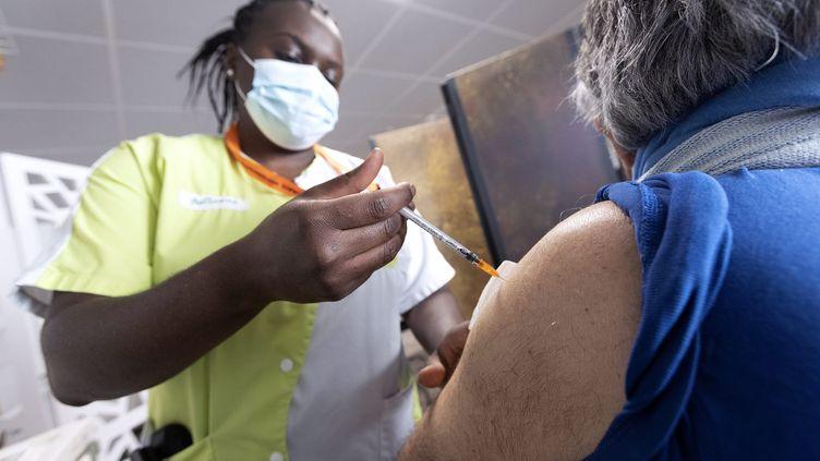 Vaccination contre le Covid-19 près de Montpellier (Hérault) le 15 avril 2021 (GUILLAUME BONNEFONT / MAXPPP)