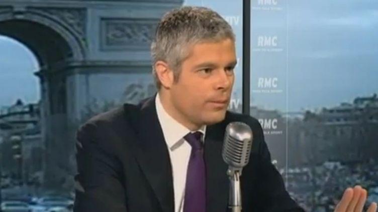 Laurent Wauquiez, ministre de l'Enseignement supérieur, sur le plateau de BFMTV, le 12 janvier 2012. (FTVI / BFMTV)