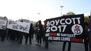 Manifestation place de la Bastille, à Paris, au soir du premier tour de l'élection présidentielle, le 22 avril 2017. (ANTHONY DEPERRAZ / CITIZENSIDE / AFP)