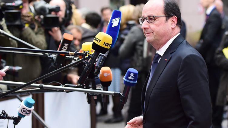 François Hollande arrive à Bruxelles le 18 février 2016. (EMMANUEL DUNAND / AFP)