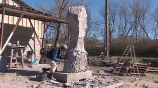 Didier Monfleur sculpteur confiné en pleine nature (France Télévisions / D.Morel, J.Le Coq, B.Livertoux,)