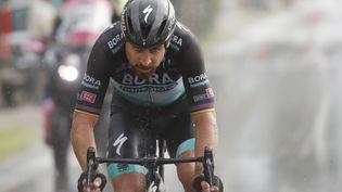 Le Slovaque Peter Sagan (Bora), au prix d'un numéro, remporte la 10e étape du Giro 2020, son premier succès sur le Tour d'Italie (LUCA BETTINI / AFP)