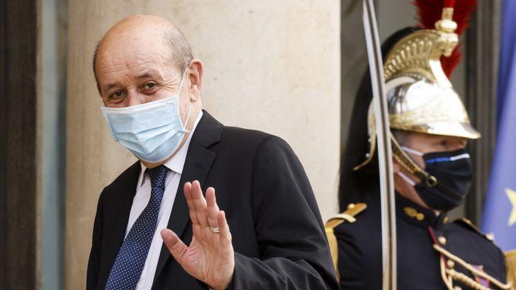 Le ministre des Affaires étrangères, Jean-Yves Le Drian, au palais de l'Elysée, à Paris, le 17 mai 2021. (LUDOVIC MARIN / AFP)