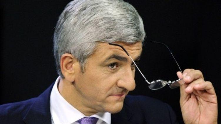 Hervé Morin participe à une émission sur Radio France, à Paris, le 25 septembre 2011. (AFP - Miguel Medina)