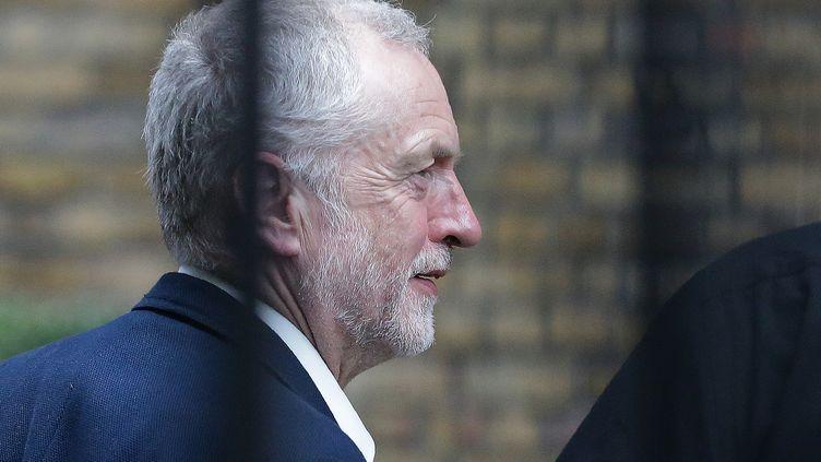 Le leader de l'opposition travailliste, Jeremy Corbyn, le 28 juin 2016 à Londres. (DANIEL LEAL-OLIVAS / AFP)