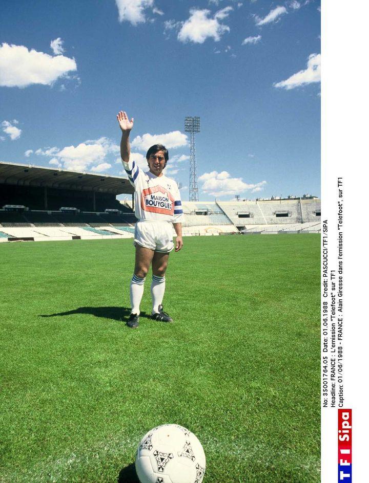 Alain Giresse sous les couleurs de l'OM lors de l'émission Téléfoot, en 1987. (PASCUCCI/TF1/SIPA)
