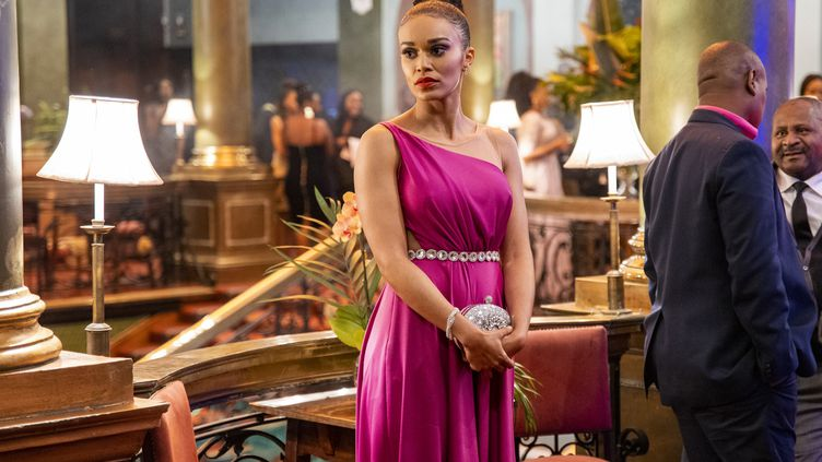 L'actrice sud-africaine Pearl Thusi joue une espionne dans la série Queen Sono. (NETFLIX)