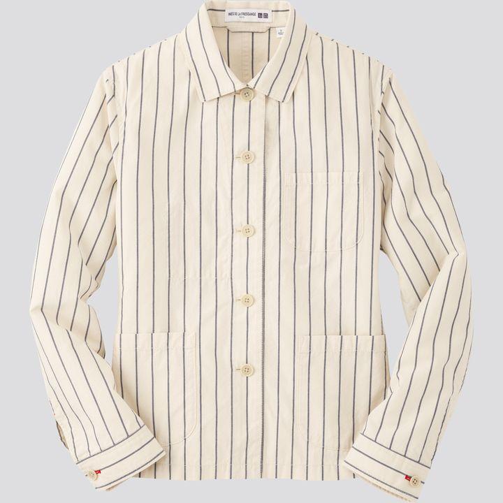 Collaboration Inès de la Fressange X Uniqlo, veste de travail revisitée dans un tissu crème avec rayures (UNIQLO)