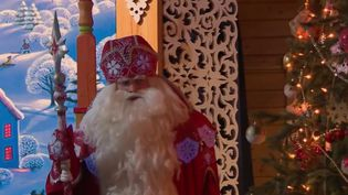 France 2 vous emmène en Russie à la découverte de la maison du père Noël, perdue au cœur de la forêt de Veliki Oustioug. (France 2)