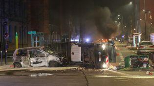 Nuit d'émeutes dans le quartier Mistral à Grenoble le lundi 4 mars. (MARC GREINER / MAXPPP)