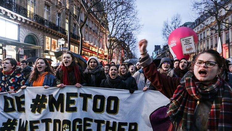 Des femmes manifestent lors de la Journée internationale des droits des femmes, le 8 mars 2018 à Paris. (TERESA SUAREZ / REA)