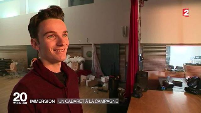À 21 ans, il ouvre un cabaret en pleine campagne