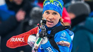 La biathlète françaiseAnais Bescondlors du relais dames aux Jeux olympiques dePyeongchang(Corée du Sud), le 22 février 2018. (FRANCOIS-XAVIER MARIT / AFP)