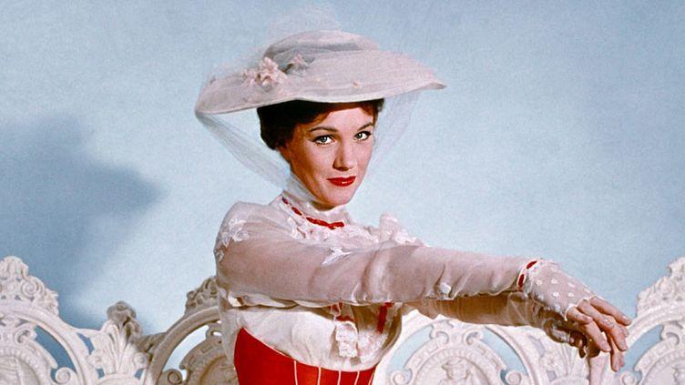 "Julie Andrews dans ""Mary Poppins"" deRobert Stevenson. (Copyright The Walt Disney Company France)"