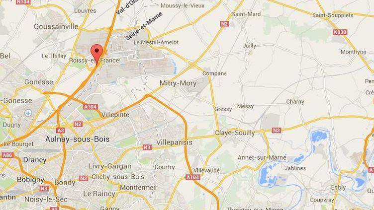 La circulation a été coupée sur l'autoroute A1 dans la matinée du mardi 22 avril 2014 dans le sens Paris-Lille, après la formation d'un vaste bouchon dû à un incendie. ( GOOGLE MAPS / FRANCETV INFO )
