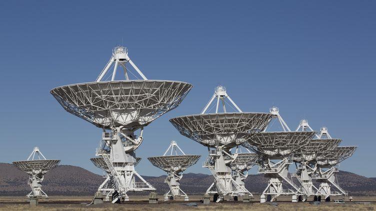 Le puissant réseaude radiotélescopesVery Large Array, le 23 janvier 2013 au Nouveau-Mexique (Etats-Unis). (RICHARD MASCHMEYER / ROBERT HARDING PREMIUM / AFP)