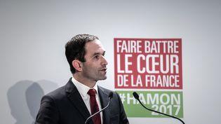 Benoît Hamon, candidat du Parti socialiste à la présidentielle, le 11 février 2017 à Paris. (PHILIPPE LOPEZ / AFP)