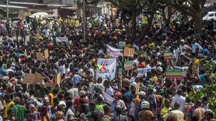 """Des manifestants protestent à Cotonou contre """"l'autoritarisme"""" du président béninois Patrice Talon, le 11 mars 2019. (YANICK FOLLY / AFP)"""