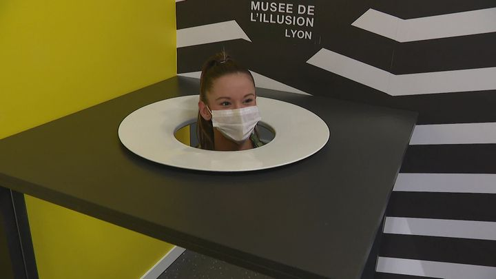 Derrière l'illusion, chaque expérience est sans danger et a une explication rationnelle. (France 3 Rhône-Alpes)