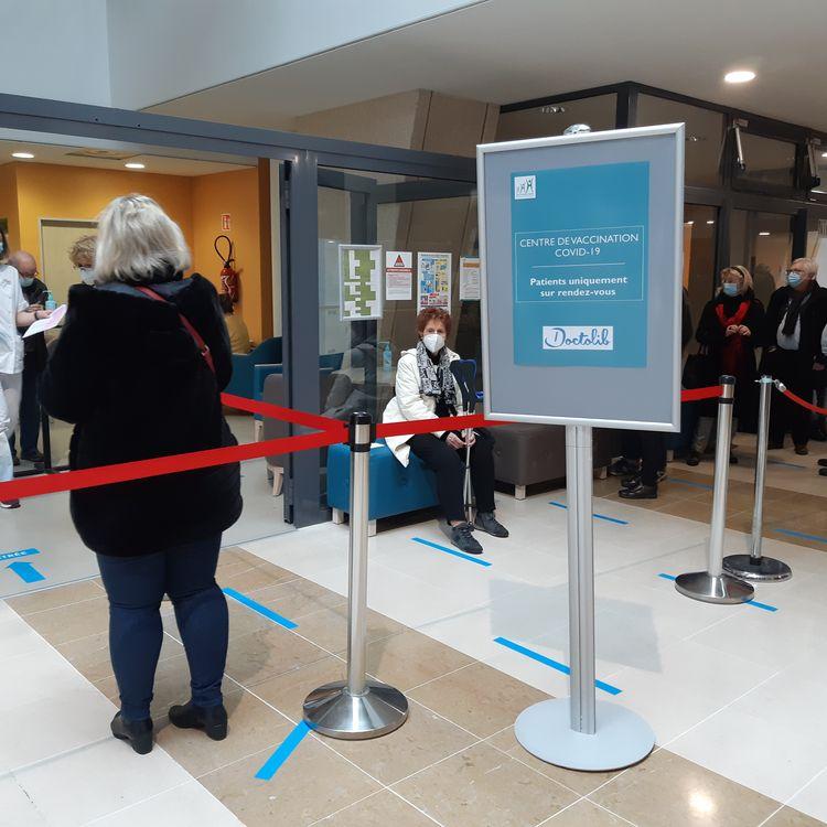 L'espace vaccination contre le coronavirus du centre hospitalier régional Metz-Thionville (Moselle), le 18 février 2021. (RAPHAEL GODET / FRANCEINFO)