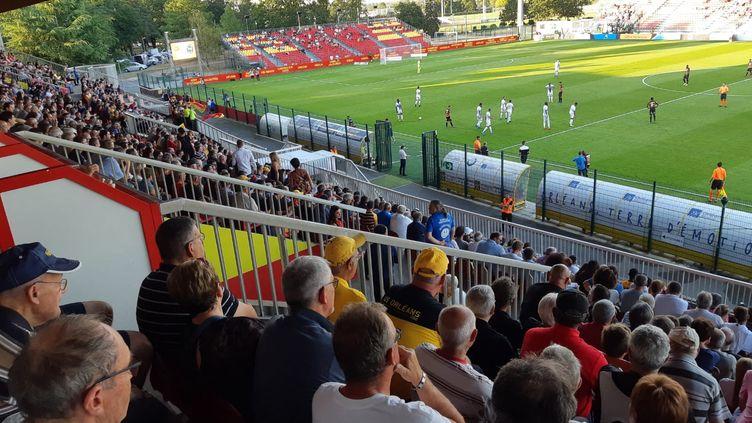 Le public dans les tribunes du stade de La Source, à Orléans le 2 août 2019 (ANTOINE DENÉCHÈRE / FRANCE BLEU ORLÉANS / RADIO FRANCE)