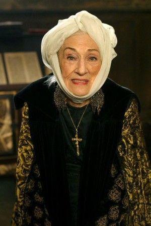 """Hélène Duc en madame De Bouville dans """"Les rois maudits"""" de 2005.  (France 2)"""