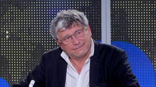 """Covid-19 : pour Éric Coquerel, """"les décisions du gouvernement n'ont rien à voir avec la liberté"""" (FRANCEINFO)"""