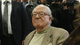 Jean-Marie Le Pen au siège du Front national, à Nanterre (Hauts-de-Seine), le 22 mars 2015. (GONZALO FUENTES / REUTERS)