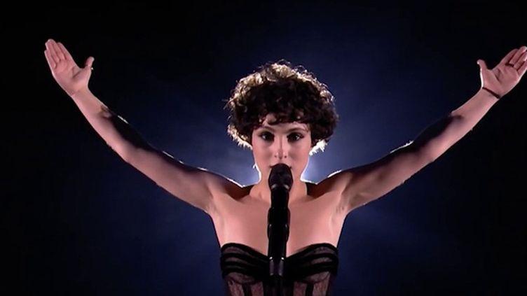 Eurovision : la candidate française Barbara Pravi séduit les parieurs (FRANCEINFO)