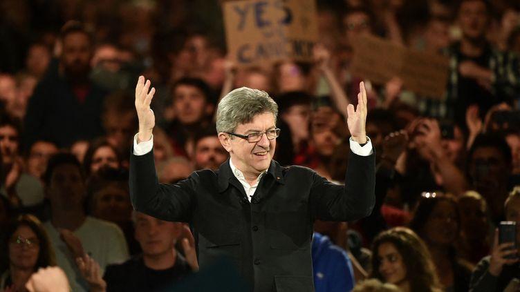 Jean-Luc Mélenchon prononce un discours lors d'un meeting de campagne à Lille, le 12 avril 2017. (PHILIPPE HUGUEN / AFP)